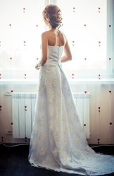 Продам Шикарное Свадебное платье со шлейфом