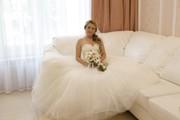 Продам очень красивое свадебное платье. р 42-44.туфли в подарок