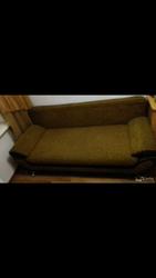 продам диван -кровать б/у состояние нормальное. в связи с переездом !!