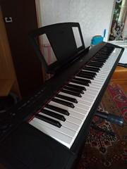 Продам синтезаторэлектрическое пианино Yamaha в Омске